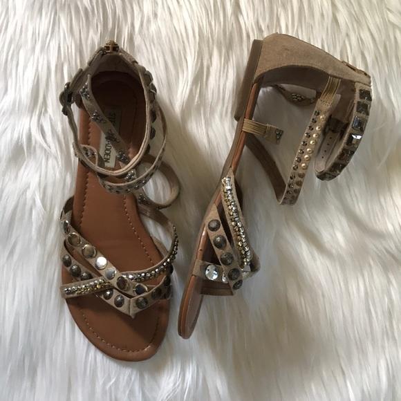 3fbf1ff38e0eb4 Steve Madden Jeweled Gladiator Sandals. M 5a89b925f9e5011fcd6529fe